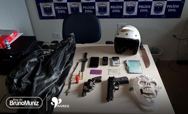 Policiais civis cumprem mandados de prisão e busca e apreensão em Surubim