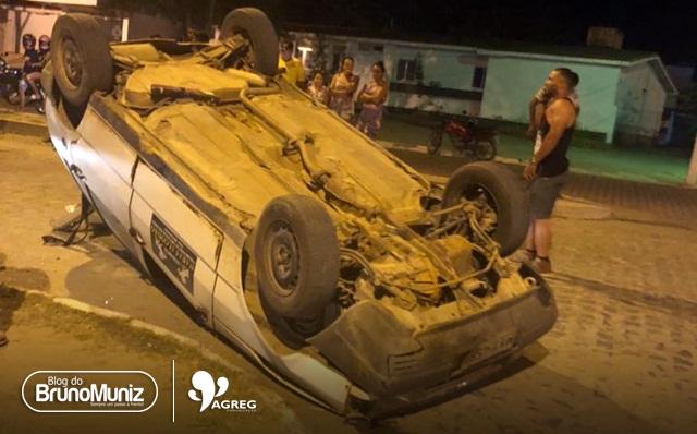 Motorista capota veículo no bairro Dona Dom em Santa Cruz do Capibaribe