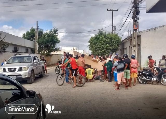 Duas jovens ficam feridas após acidente em Santa Cruz do Capibaribe