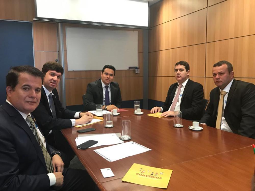Edson Vieira participa de debates em Brasília para criação da PEC do 1% de setembro