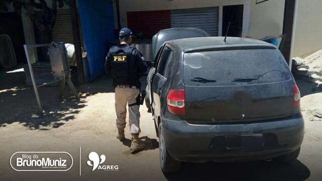 Carro roubado há 5 anos em Caruaru é recuperado pela PRF na cidade de Garanhuns