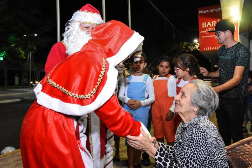 Programação natalina atraiu crianças e famílias para a Avenida Padre Zuzinha