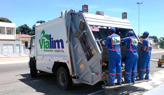 Com salários atrasados, garis voltam a realizar paralisação em Santa Cruz do Capibaribe