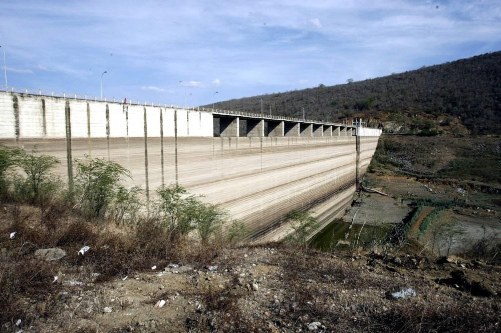 Jucazinho, em Surubim, está entre as 45 barragens com risco de rompimento no país