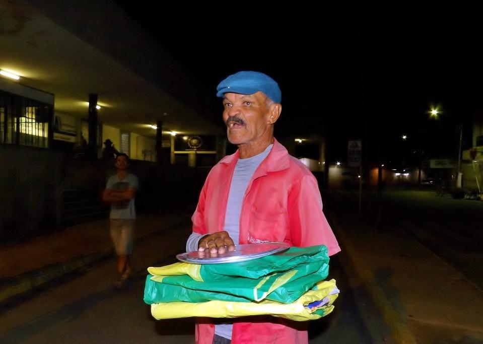 Santa Cruz do Capibaribe – Popular 'Benedito do Sorvete' está precisando de ajuda