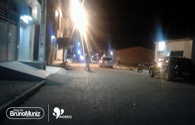 Polícia realiza abordagens em bares na cidade de Santa Cruz do Capibaribe