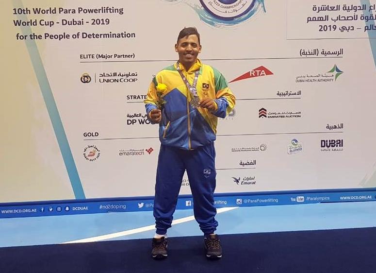 Paratleta de Santa Cruz do Capibaribe é vice-campeão em competição mundial