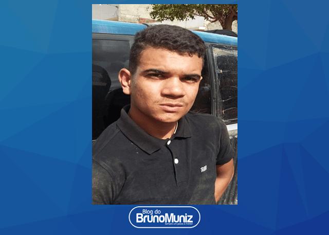 Indivíduo é detido com arma de fogo e motocicleta roubada em Santa Cruz do Capibaribe