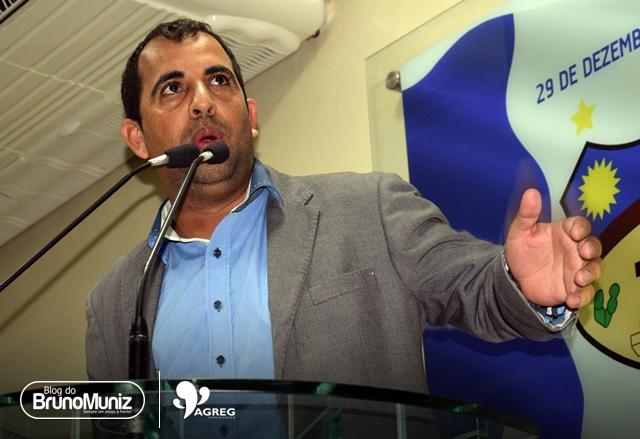Carlinhos da Cohab e Joab do Oscarzão divergem sobre projeto de Lei