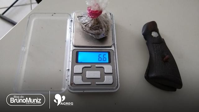 Indivíduo é detido sob suspeita de tráfico de drogas em São Domingos