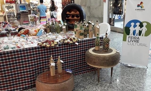 Caruaru Shopping recebe exposição de artesanato produzido por socioeducandos