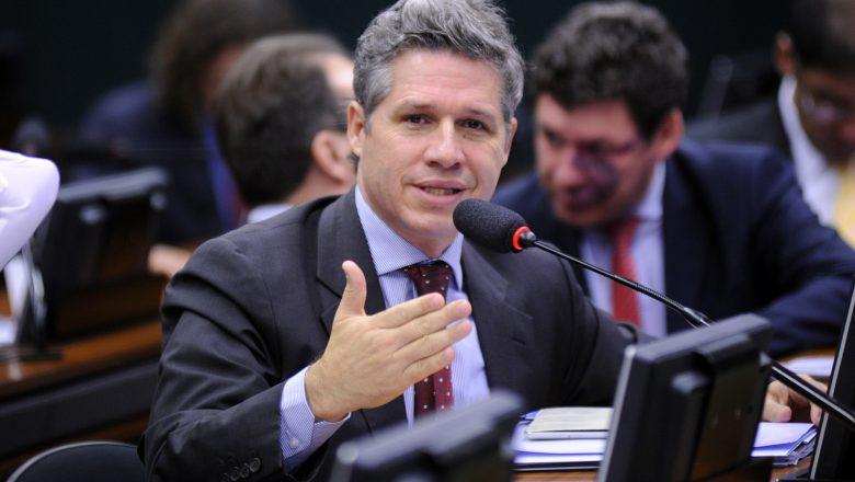 Deputado do PT rebate tweet de Bolsonaro sobre obra realizada no Agreste de Pernambuco