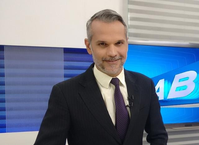 Jornalista Alexandre Farias realizará palestra em centro universitário de Caruaru