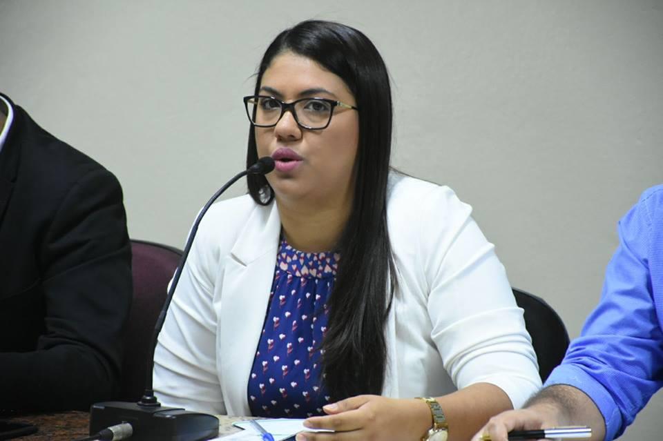 Elaine Silva se pronuncia sobre denúncia do Santa Cruz PREV feita por Capilé
