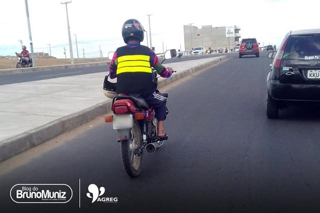 O barato que pode custar caro – Em Santa Cruz do Capibaribe mototaxistas clandestinos se multiplicam