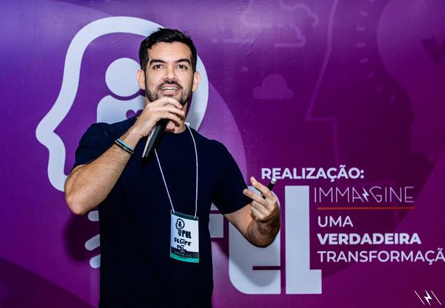 Youtuber e especialista em comércio de artigos de moda confirma presença em talk show no EMP 2019