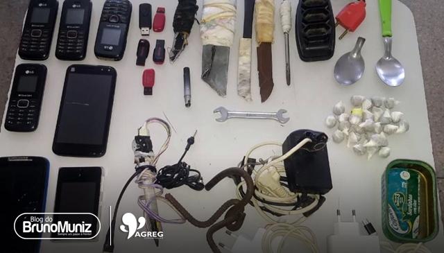 Diversos objetos são apreendidos no interior de presídio em Santa Cruz do Capibaribe