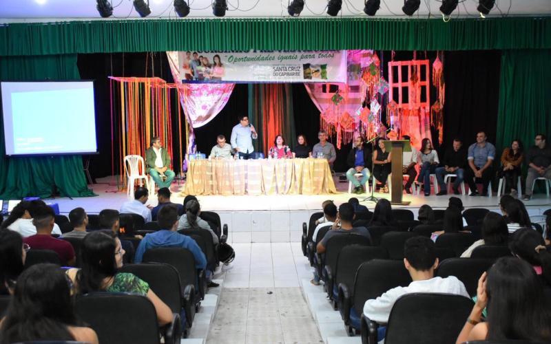 Aulão inaugural do Cursinho Pré-Vestibular é realizada no Teatro de Santa Cruz do Capibaribe