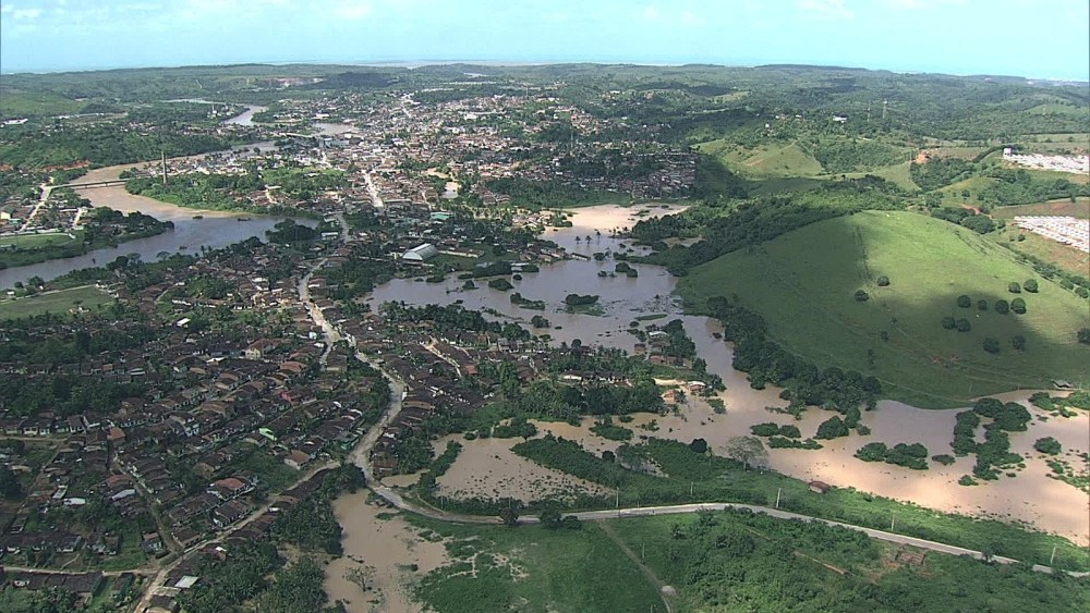 Em Pernambuco, chuva desabriga duas mil pessoas