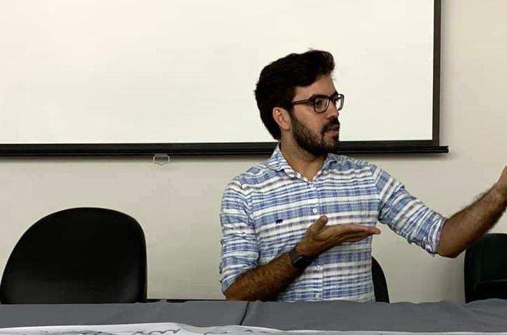 Professores da Rede Municipal de Santa Cruz do Capibaribe paralisam aulas por falta de pagamento