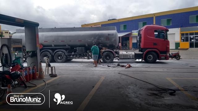 Santa Cruz do Capibaribe – Incêndio em carreta deixa funcionário de posto ferido