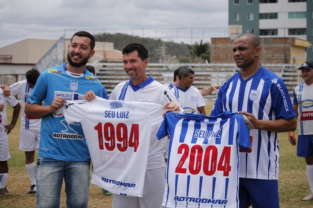 Emoção marca reencontro no Estádio Otávio Limeira Alves em Santa Cruz do Capibaribe