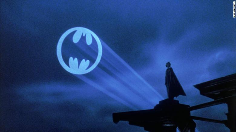 Bat-Sinal será ligado no Recife Antigo em homenagem aos 80 Anos do Batman abrindo as comemorações do 2ºFestival de Quadrinhos-PE com Coffee Break Nerd dia 13 de Dezembro