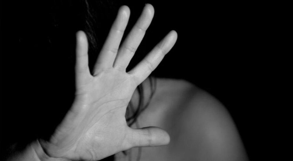 Jovem de 20 anos é preso suspeito de estuprar a própria mãe em Caruaru