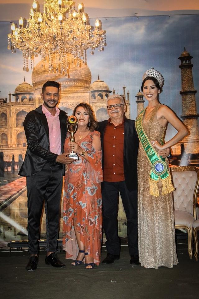 Zíper Comunicação entre troféus aos premiados 2019
