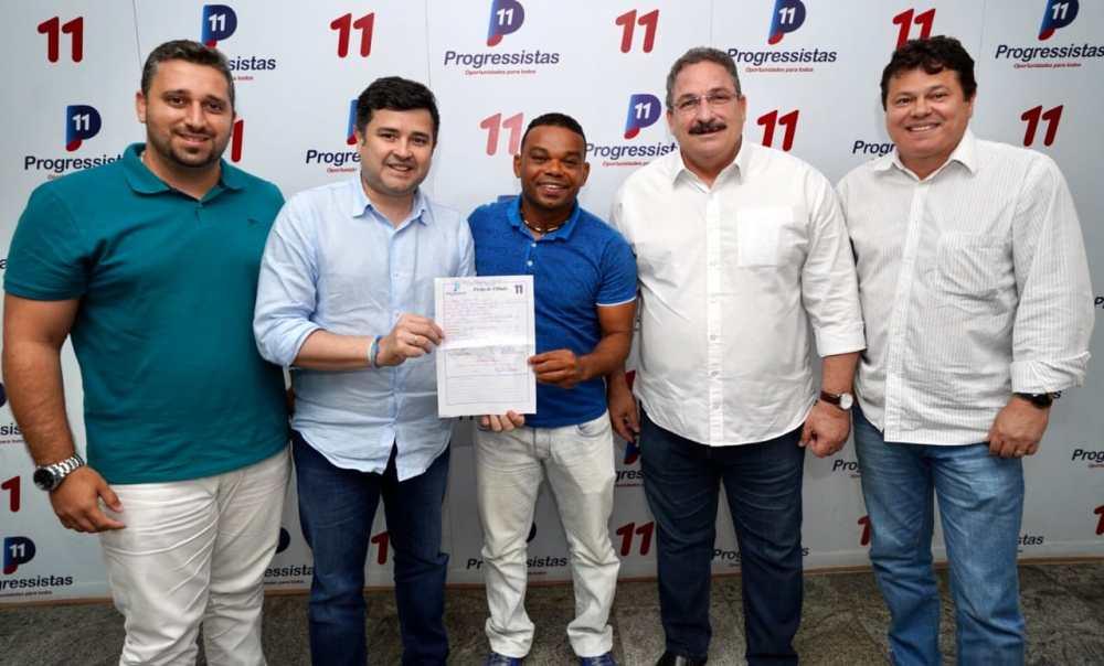 Carlinhos Bala se filia ao PP e será candidato a vereador pelo Recife
