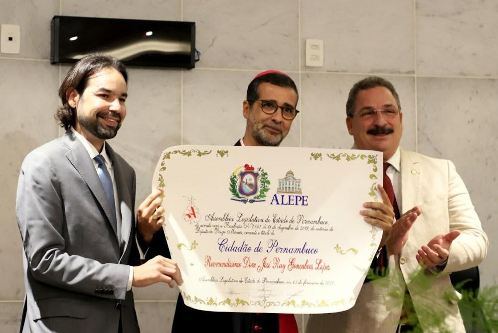 Dom José Ruy recebeu o título de cidadão Pernambucano