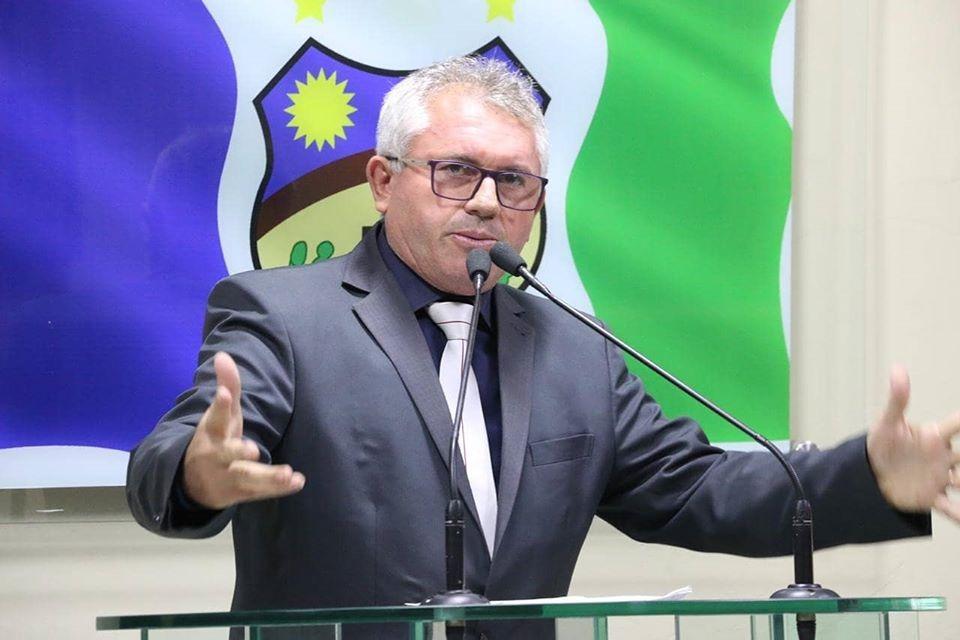Irmão Val faz críticas a precariedade dos Correios em Santa Cruz do Capibaribe