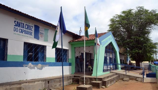 Santa Cruz do Capibaribe irá disponibilizar escola para moradores de rua; voluntários estão sendo recrutados e doações recolhidas