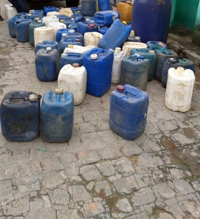 Polícia apreende combustível adulterado em Barra de Guabiraba