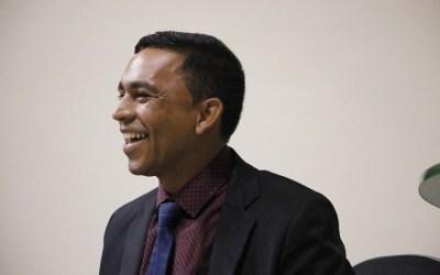 Sem conseguir provar denúncia contra igrejas, Joab do Oscarzão acusa imprensa de corrupção em rádio
