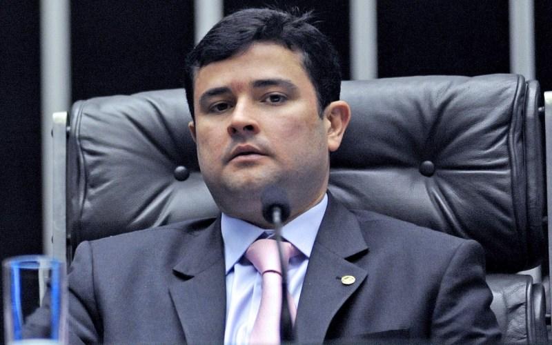 Eduardo da Fonte entra com ação civil pública para suspender o aumento da conta de luz