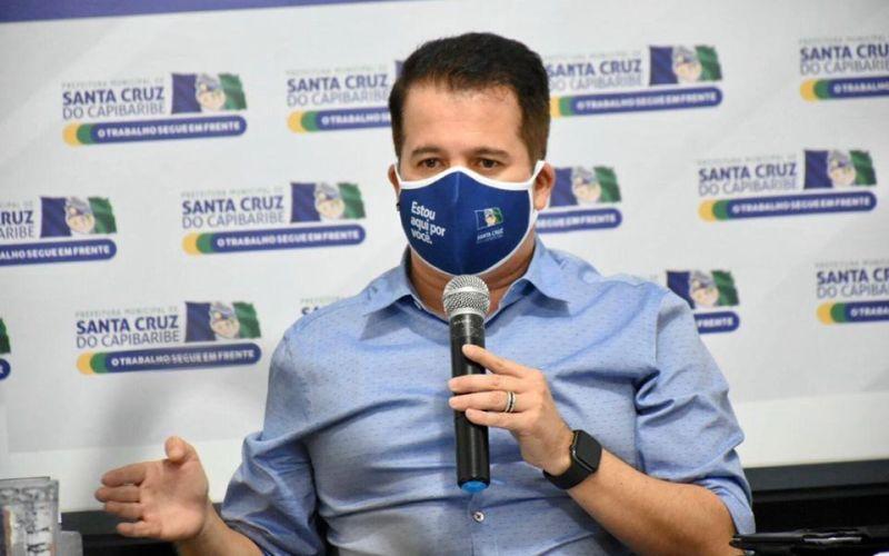 """""""O comércio funciona como está"""", diz Edson Vieira"""