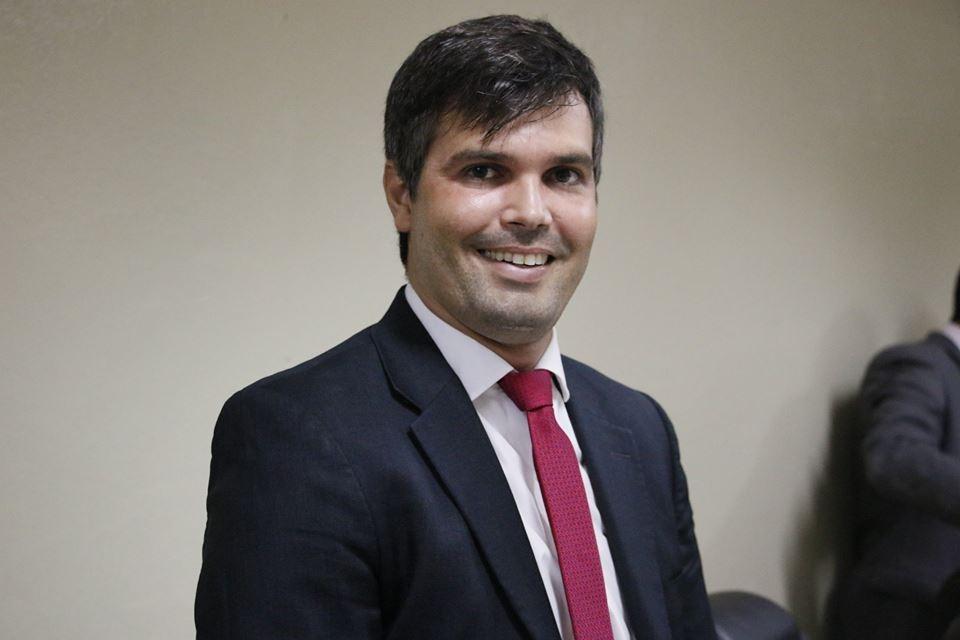 """""""Sou pré-candidato, aceitem"""", diz Helinho Aragão em grupo do WhatsApp"""