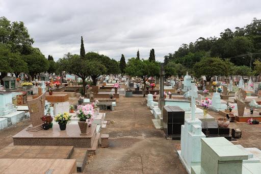 Mãe desenterra filho sepultado há mais de 30 dias em Garanhuns