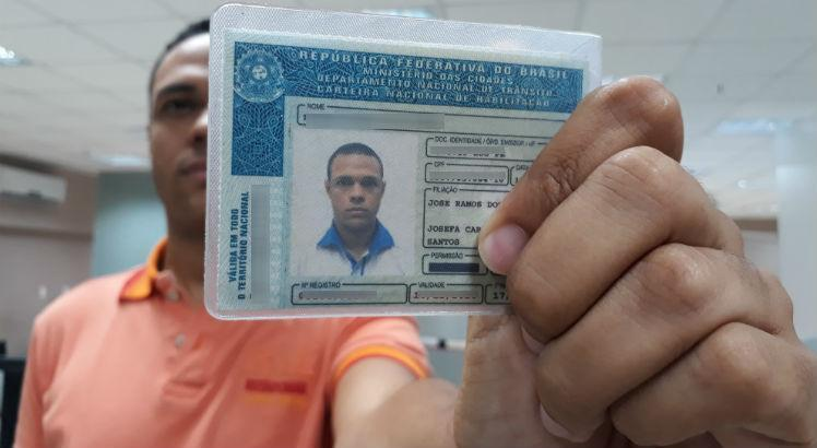 Atendimento para primeira habilitação em Pernambuco poderá ser feito aos sábados no Detran; entenda