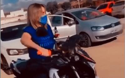 Assessoria justifica episódio em que deputada Alessandra Vieira pilota em perímetro urbano sem capacete