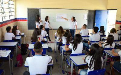 Governo decide situação de aulas presenciais do ensino básico até terça