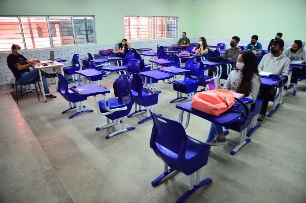 Alunos do 2º ano voltam às aulas presenciais com baixa adesão