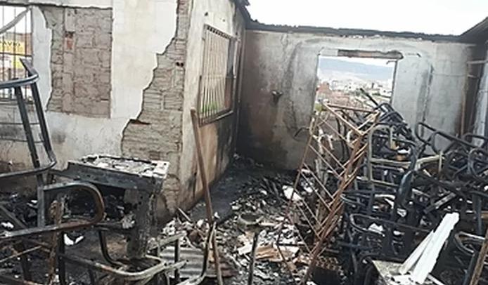 Internautas participam de campanha on-line após escola ser destruída por incêndio em Santa Cruz do Capibaribe