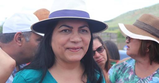 Prefeita eleita em Jataúba anuncia equipe de transição