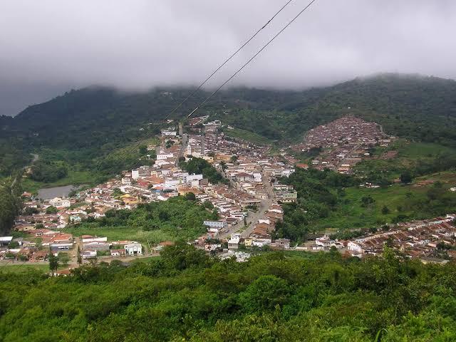 Em Taquaritinga do Norte, 20 mil eleitores escolhem, entre 3 candidatos, o próximo prefeito neste domingo (15)