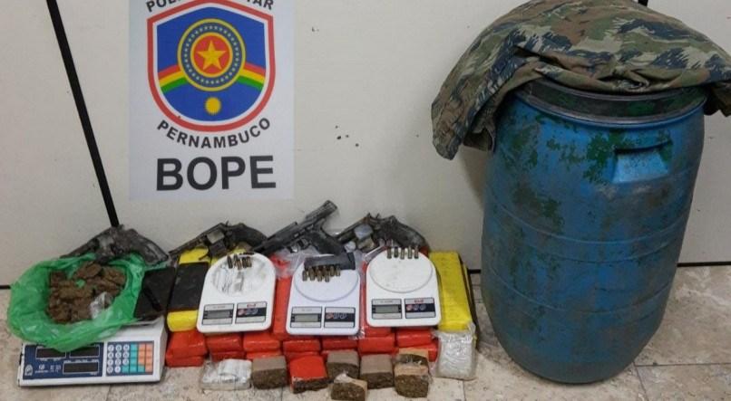 Quatro suspeitos de tráfico são mortos pela Polícia Militar durante troca de tiros em Porto de Galinhas