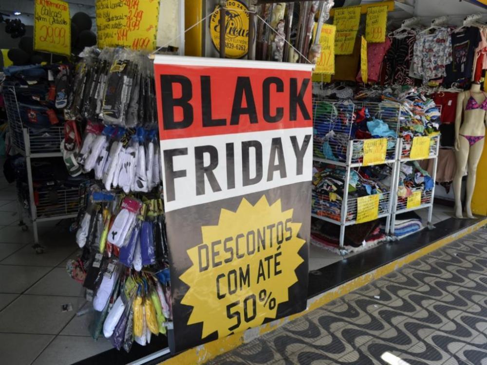 Vendas em lojas físicas caem na Black Friday