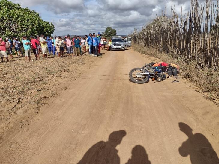 Casal morre após encostar em fio de alta tensão enquanto andava de moto em Santa Maria do Cambucá