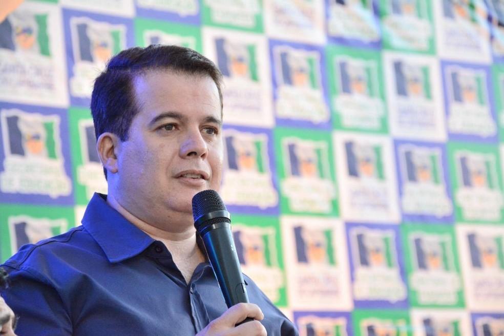 Edson Vieira veta integralmente lei orçamentária para 2021 e devolve projeto para a câmara